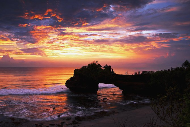 Half-Day Unforgettable Sunset Tour at Tanah Lot