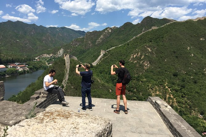 Private Hiking Trip to Water Great Wall Huanghuacheng