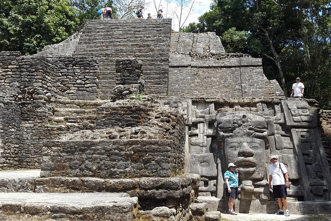 Lamanai Temples, River Cruise Bird watching, Monkeys