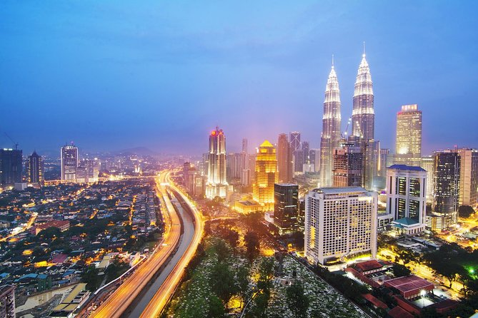 Private Amazing Night Tour With Petronas Twin Towers Cultural Dance And Shopping