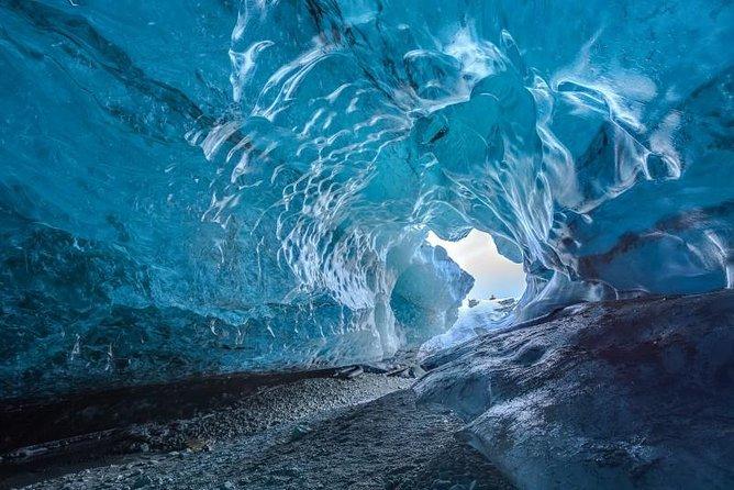 Recorrido de 2 días en la costa sur de Islandia y Reikiavik con visita a la cueva de hielo y al lago Jökulsárlón