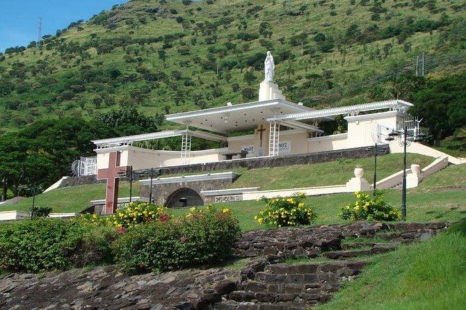 Marie Reine de la Paix - Open Church with a beautiful view of Port Louis