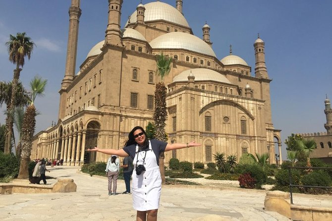 Private Day Tour to Old Islamic Cairo & Coptic Cairo with Lunch