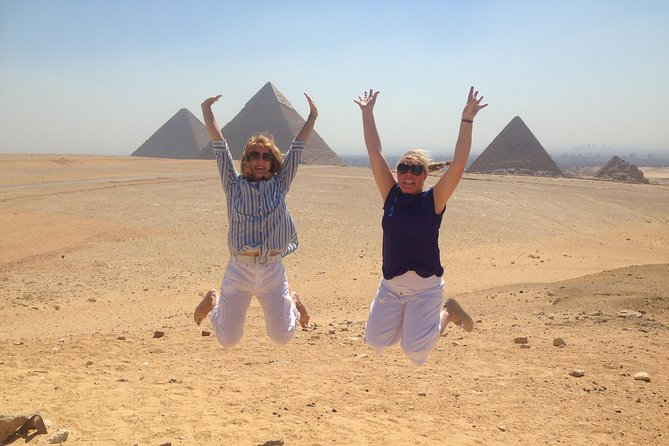 Layover Day Tour from Cairo to Egyptian Museum and Giza Plateau