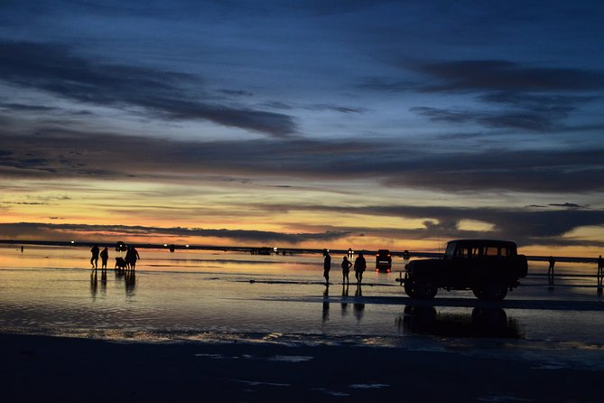 Private Salt Flat Full-Day Tour Including The Cemetery of Trains and Lunch from Uyuni