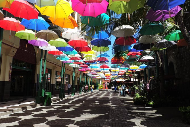 Guided Cultural City Tour of North Mauritius with Botanical Garden Visit