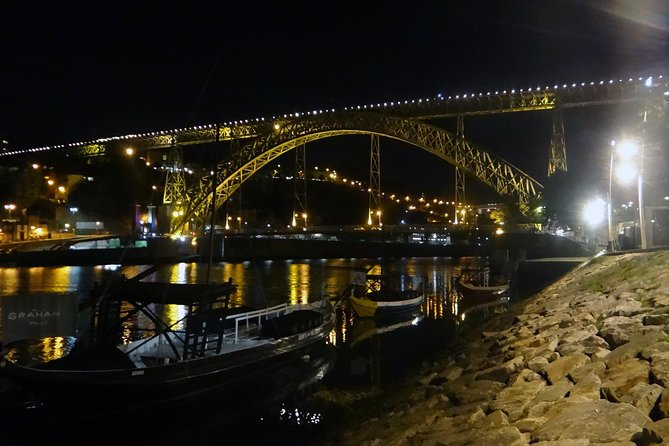 Porto Private Small Group Night Tour with Dinner and Wine