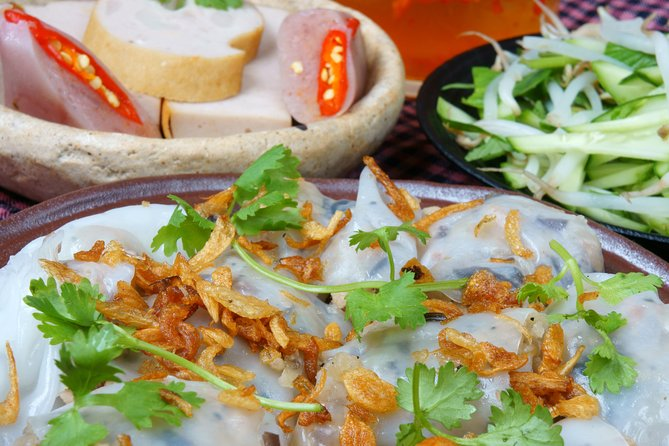 Ho Chi Minh City's most delicious street food tour by motorbike
