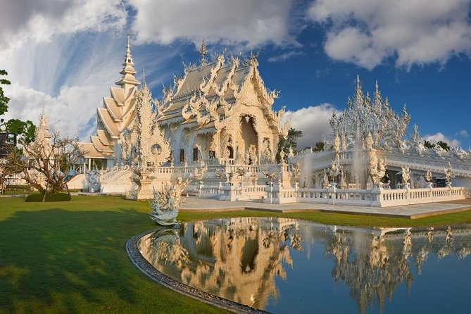 2-Day Best of Chiang Rai from Chiang Mai Private Package