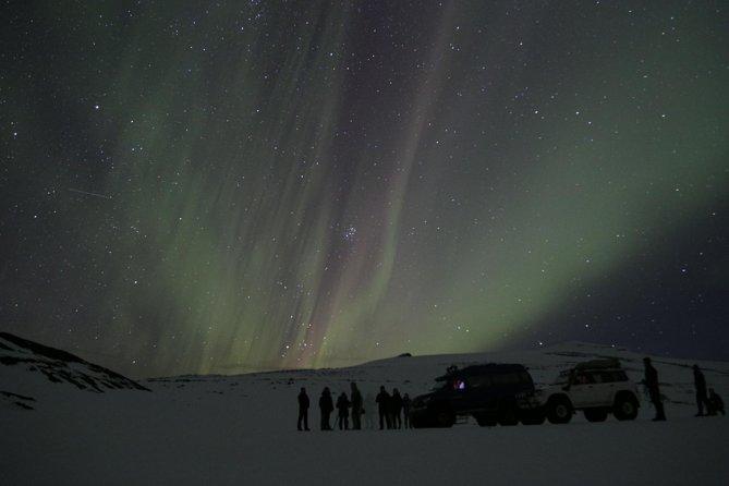Northern Lights on Eyjafjallajökull by Super Jeep from Gljúfrabúi Base