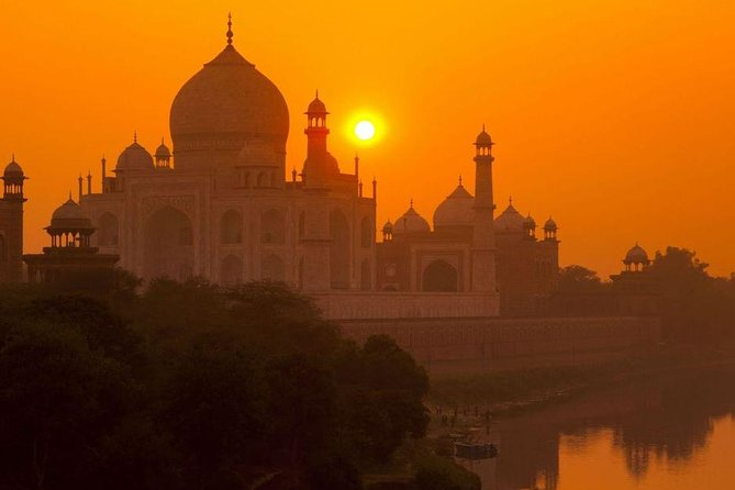 Taj Mahal In Summer