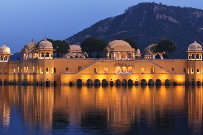 Private Jaipur Day Trip from New Delhi with Lunch