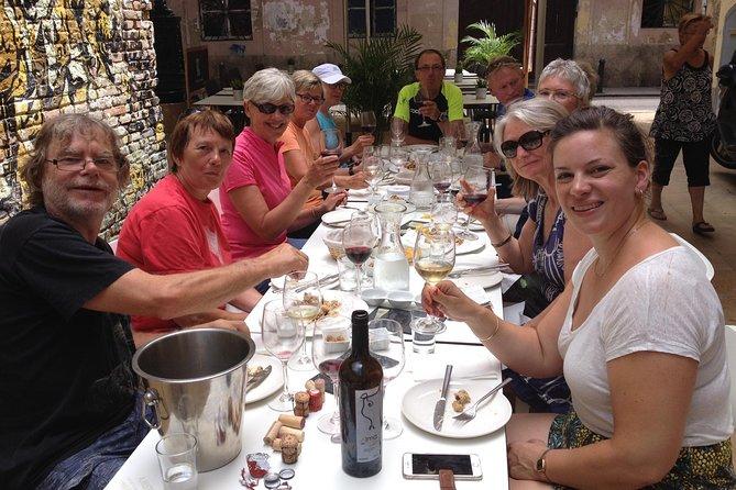 バレンシアワインテイスティングツアーとタパス