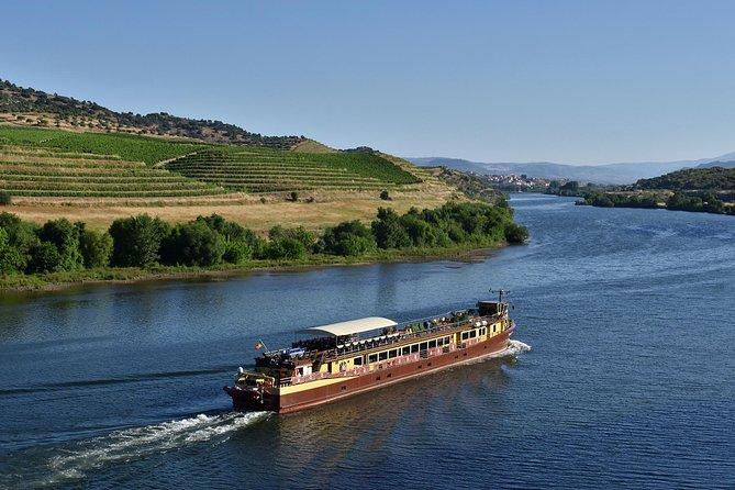 Private Porto & Douro & Regua from Lisbon 3 days all included