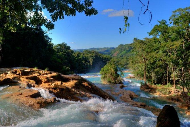 Excursion d'une journée aux cascades d'Agua Azul et Palenque depuis San Cristobal