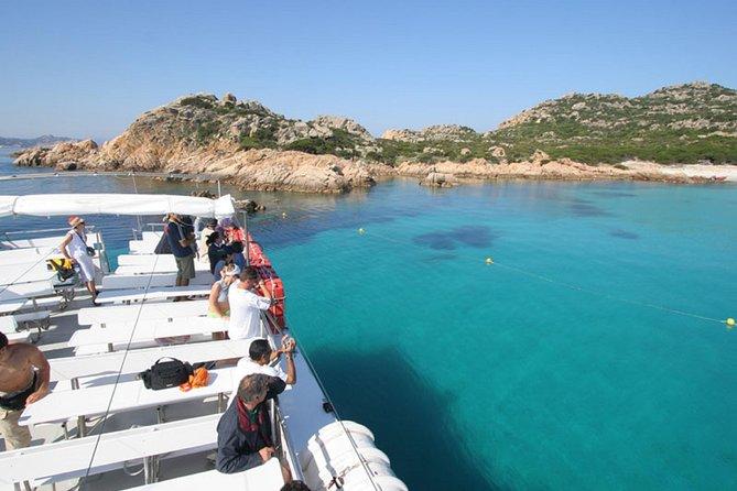 Travesía en barco hasta el archipiélago de la Maddalena desde Santa Teresa di Gallura.