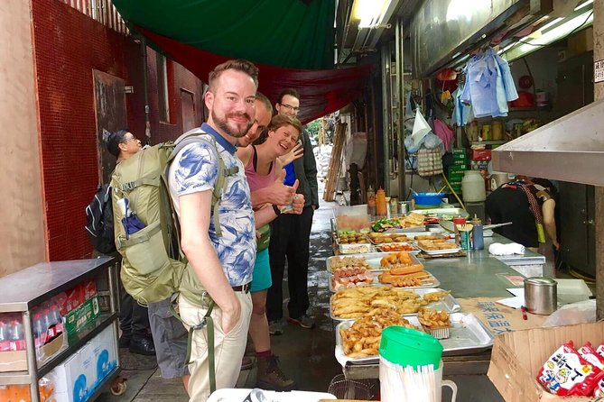 Small-Group Tour: Local Markets Hopper and Foodie in Hong Kong