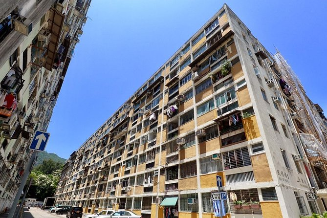 Private 4-Hour Walking Tour: Sham Shui Po Neighborhood