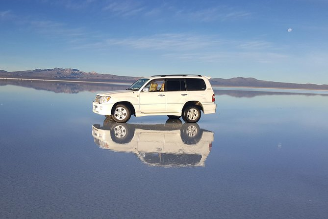 Full-Day Uyuni Salt Flat - Share in 4x4 VIP with English Speaking Guide photo 1