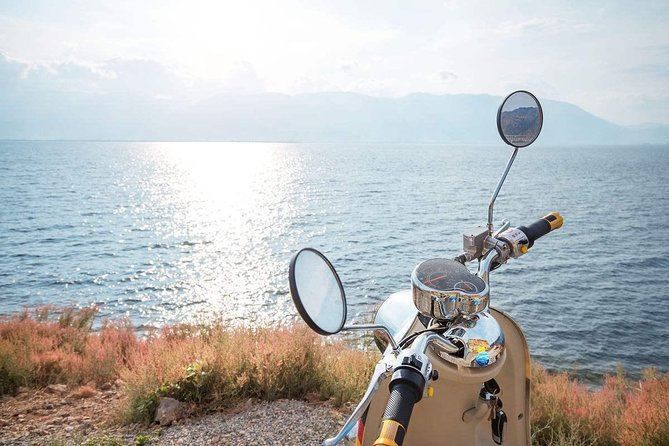 1-Day Electric Bike Tour in Dali