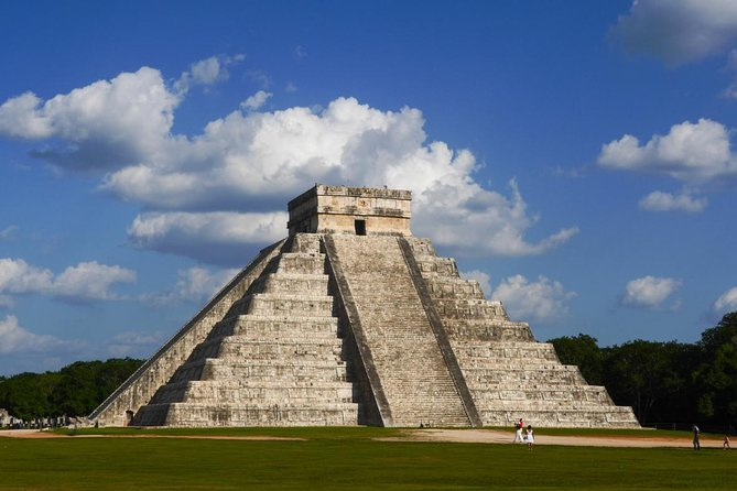 Chichen Itzá, Cenote Ik Kil, Valladolid Premium Full-Day All Fees Included