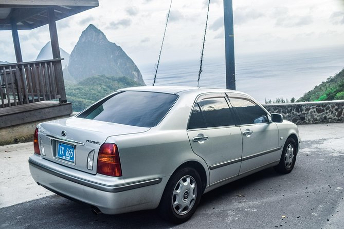 St Lucia Airport Transfer Roundtrip from Hewanorra (UVF)