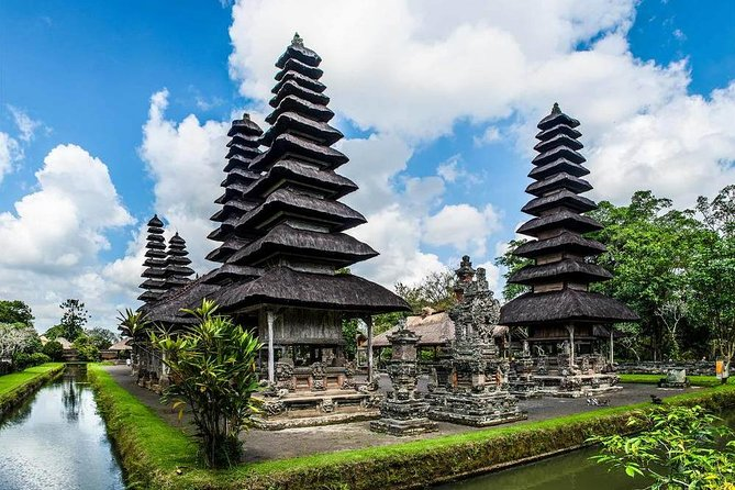 Private One Day Trip-Gitgit Waterfall-Ulun Danu Beratan Temple-Taman Ayun Temple