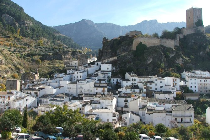 White Villages and Ronda from Seville: Full Day Private Tour
