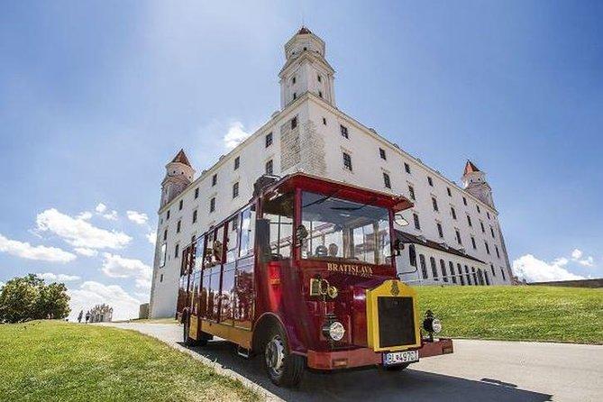 Tour del castello e ingresso al castello di Bratislava
