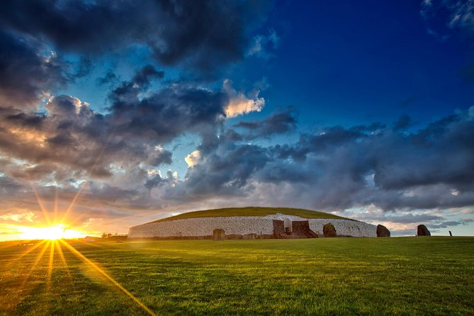 Newgrange and Hill of Tara Private Guided Tour from Dublin
