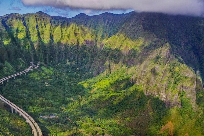 Private Customizable Grand Circle Island Tour of Oahu