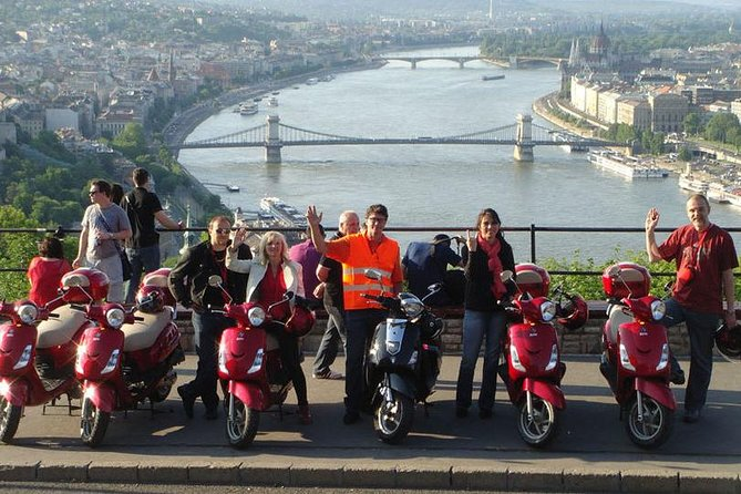 4 Hour Budapest Scooter Sightseeing Tour