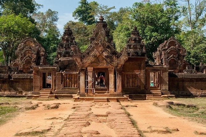 Private Tour: Siem Reap Full Day Tour With Angkor Wat Banteay Srei Bayon Temple and Ta Prohm