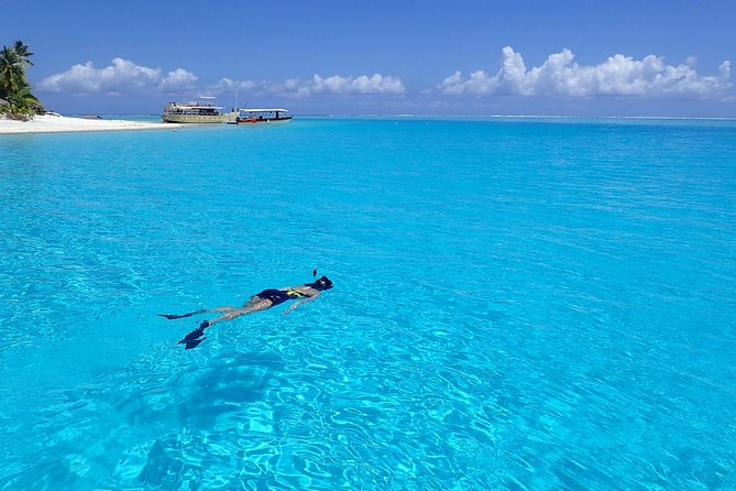 Full-Day Private Boat Tour of Bora Bora Lagoon with Snorkel
