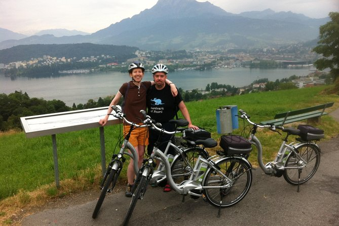 Swiss Knife Valley Bike Tour & Lake Lucerne Cruise