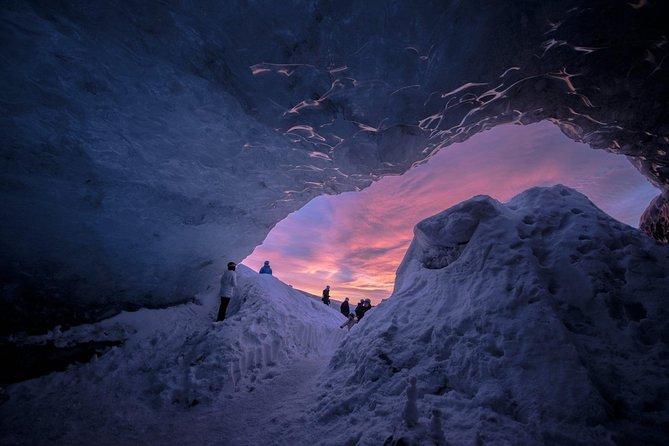 vatnajokull-excursion-dans-la-grotte-glace-naturelle