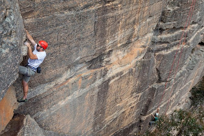 Small-Group Full-Day Rock Climbing Adventure from Katoomba