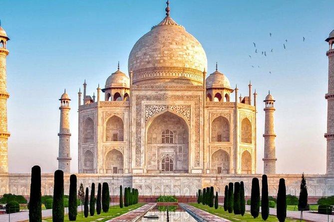 Taj Mahal Sunrise Tour with Entrance fees from Delhi
