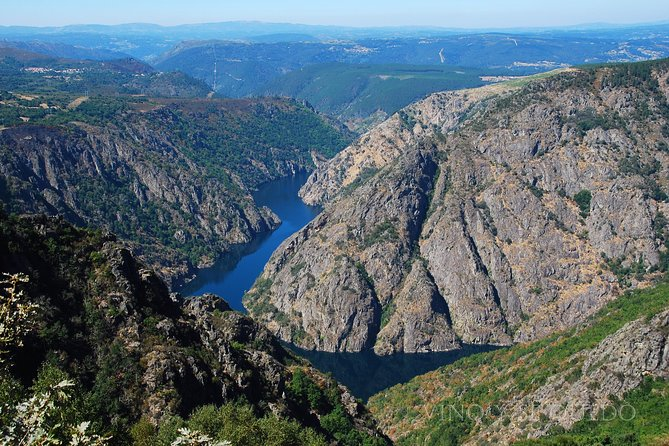 Ribeira Sacra Full Day Guided Tour from Santiago