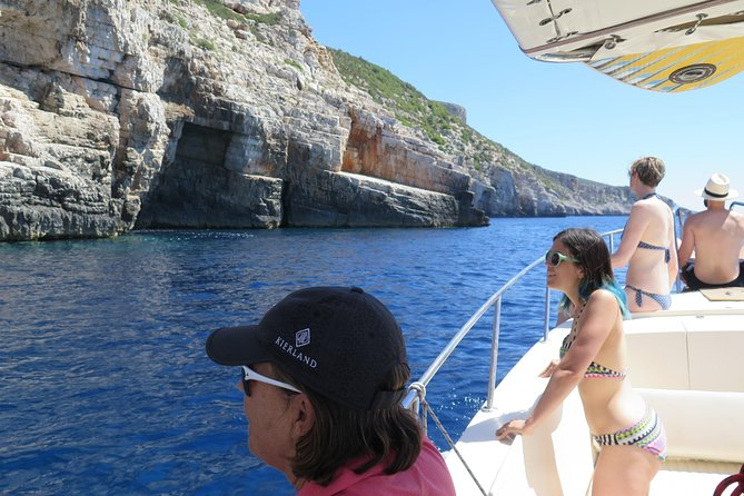 Highlights of archipelago of the island Vis, day trip with lunch - FROM VIS!