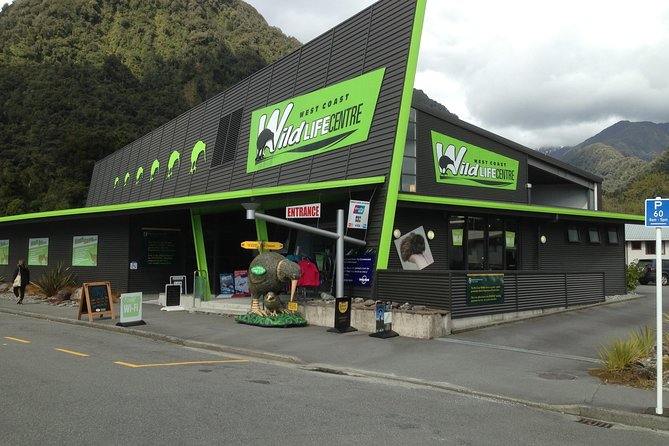 Skip the Line: Franz Josef Wildlife Center Ticket with Optional Backstage Pass