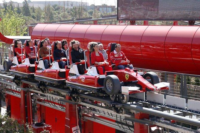 Ferrari Land och Port Aventura Park från Barcelona med tåg