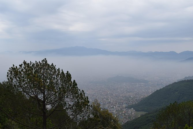 Nagarjun Hill og Laxmi Cavel Daytrip