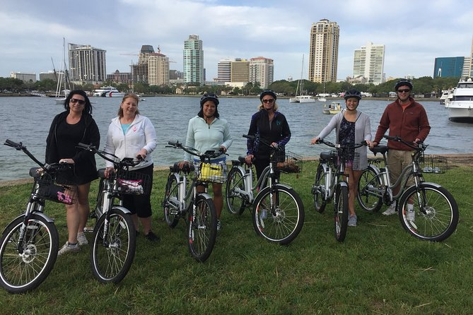 Small-Group Electric Bike Tour of Historic St Petersburg photo 1