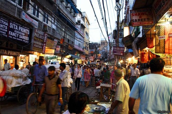 Private Full-Day Shopping Tour in Delhi
