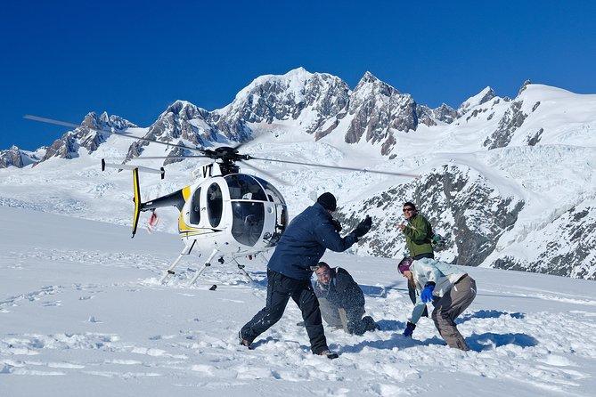 Twin Glacier Fox Glacier and Franz Josef Glacier including snow landing (allow 30 minutes)