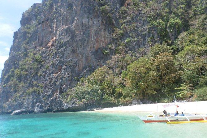 El Nido Island Hopping Tour D: Island Beaches