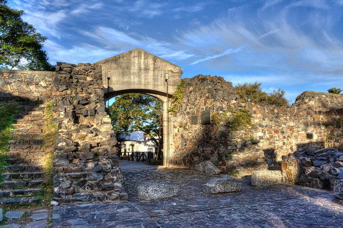 Guided Day Trip to Colonia del Sacramento from Montevideo