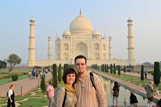 Private Taj Mahal Tour with Kachhpura Village Walk from Delhi
