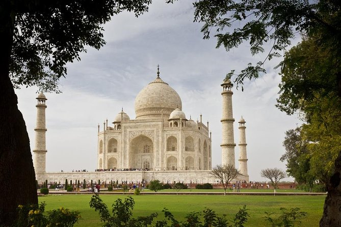 Private Full-Day Taj Mahal Sunrise and Agra Tour